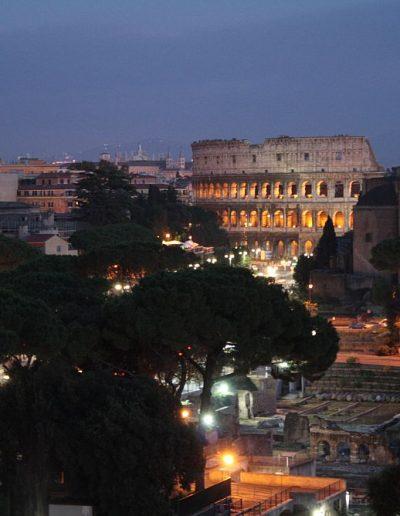 A Forum Romanum és a Colosseum este