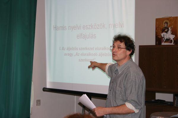 Maleczki József nyelvész