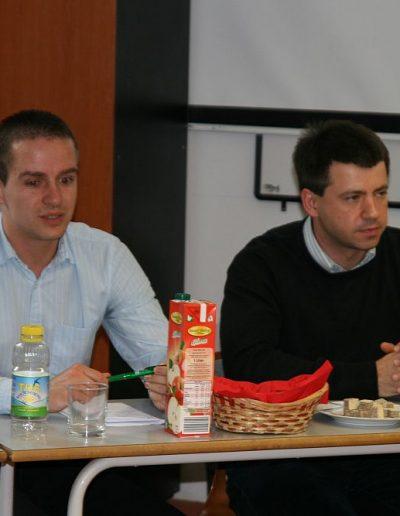 Nemesi Attila (jobb oldalon)