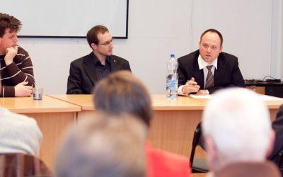 Kiss-Rigó László: túlságosan belterjes a katolikus média + Galéria